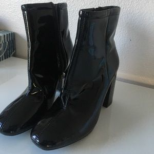 Sloane seamed ankle boot